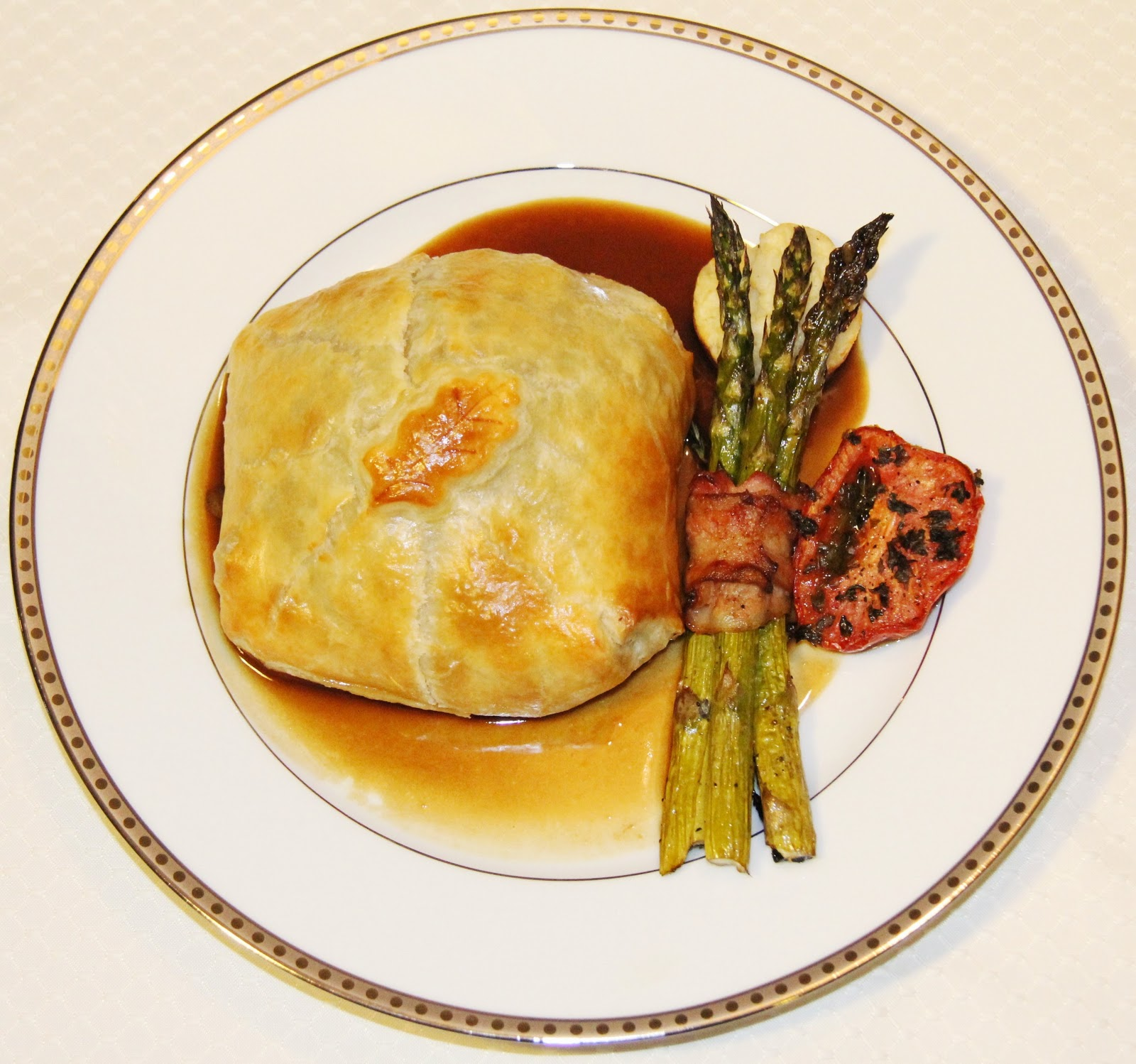 Individual Beef Wellington with Bordelaise Wine Sauce