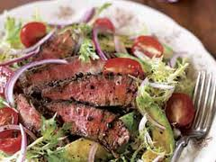 sumer-steak-salad-tomato-vinaigrette