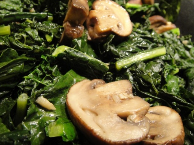 Sauteed kale with mushrooms and balsamic vinegar